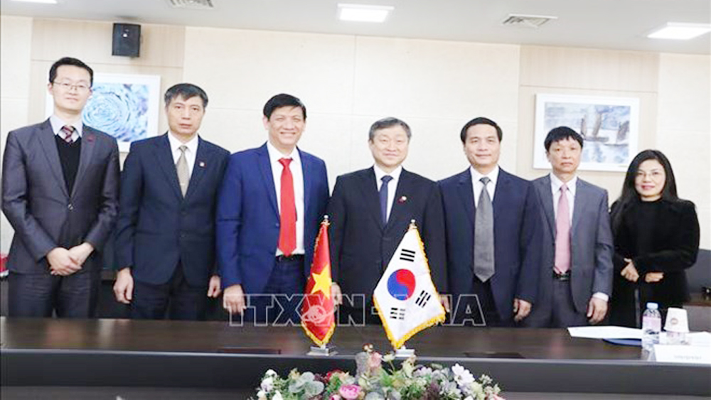 Vietnam, RoK share experience in communications development, education