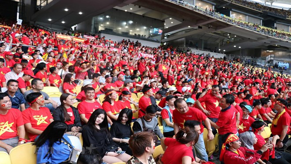 AFF Cup, Vietnam Airlines, 3,700 seats, football fans, National flag carrier, national team, the final match, AFF Suzuki Cup