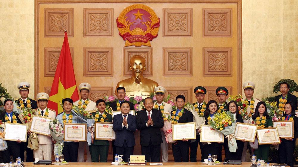 """Phó Thủ tướng Trương Hòa Bình: Cán bộ, công chức phải là """"công bộc"""" của dân, không gây phiền hà, nhũng nhiễu"""