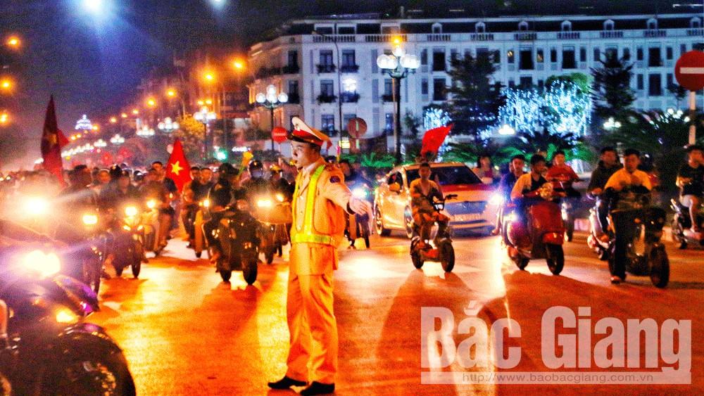 Công an tỉnh huy động 100% quân số bảo đảm an ninh trật tự, ATGT cho người hâm mộ cổ vũ đội tuyển bóng đá Việt Nam