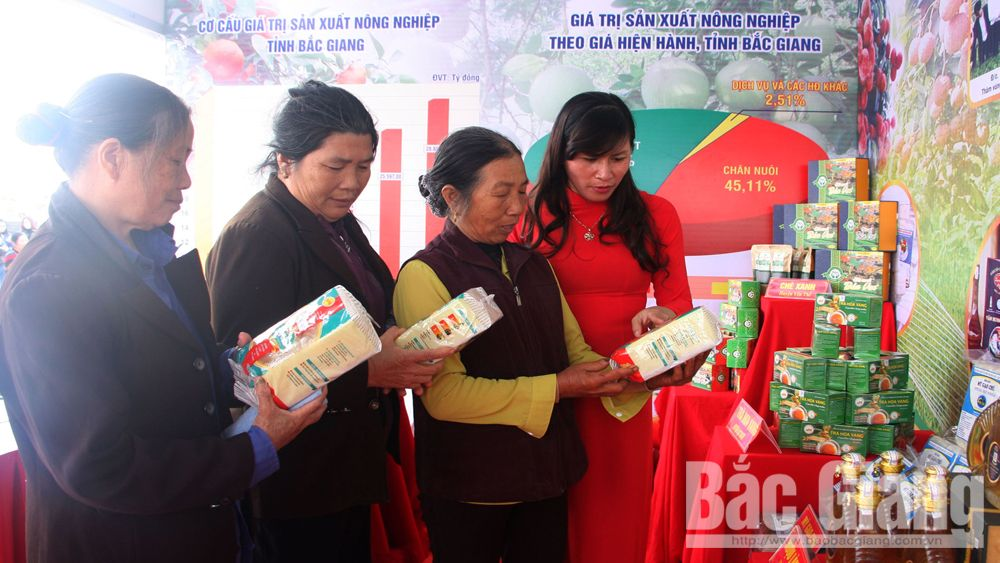 Bac Giang's products promoted in several fairs and exhibition