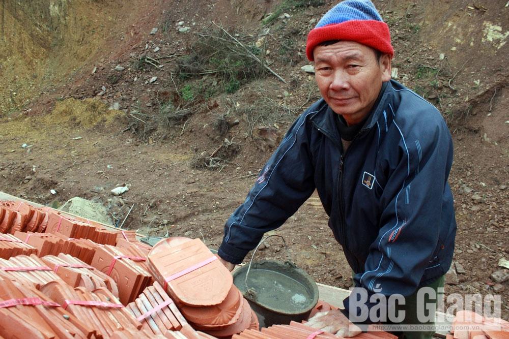 núi Huyền Đinh, xã Cẩm Lý, huyện Lục Nam, Vua Thần Nông, Tây Yên Tử, Nguyễn Văn Dựng, cần mẫn như chú ong thợ, tỉ mỉ lắp ráp, hoàn thiện công trình