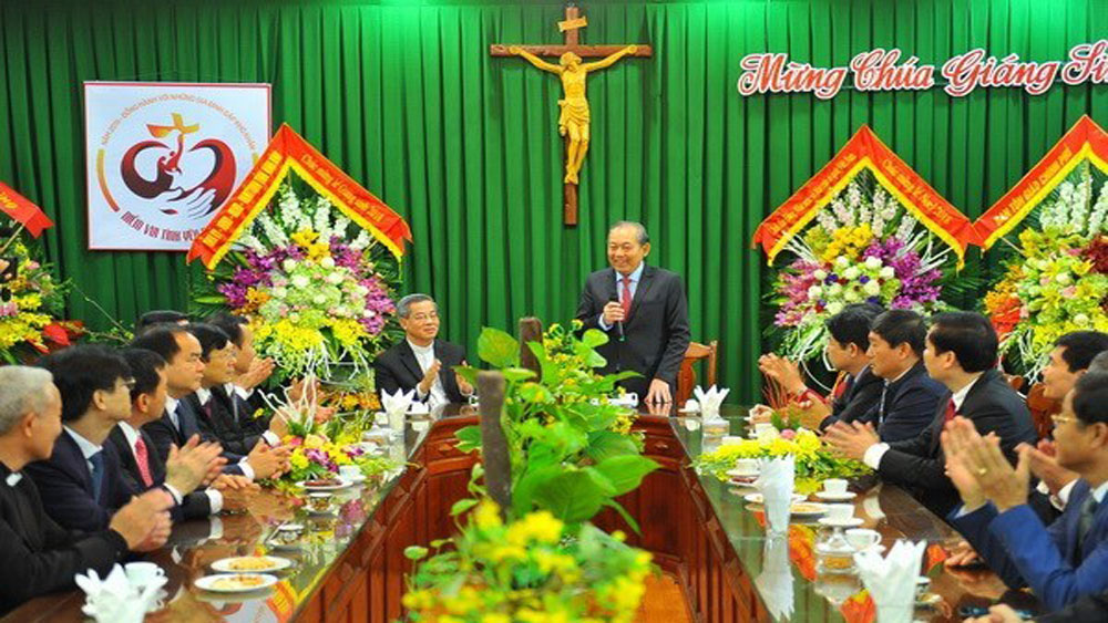 Officials extend X'mas greetings to Catholics in Ninh Binh, Nam Dinh