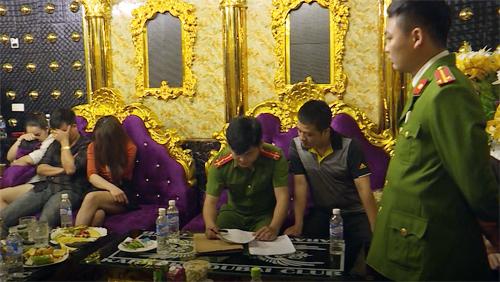 Nhóm cán bộ Hà Tĩnh bị bắt khi đang dùng ma túy