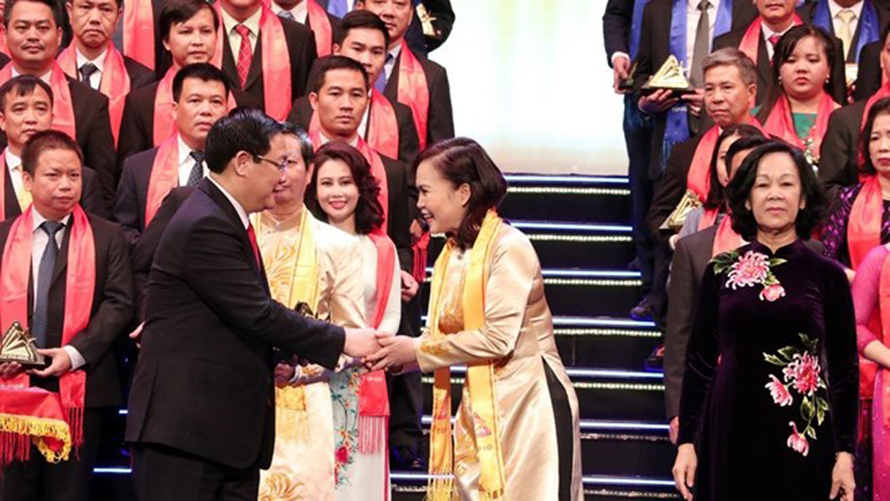 Best Vietnamese firms honoured with Gold Star Award
