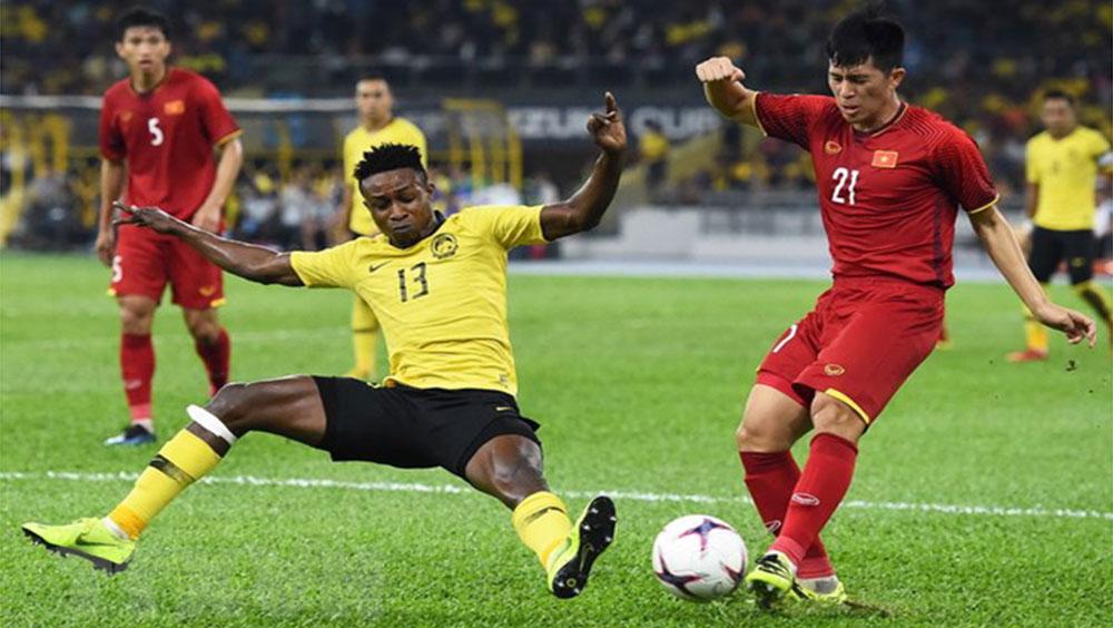 HLV Park Hang-seo cân nhắc gọi trung vệ Đình Trọng trở lại