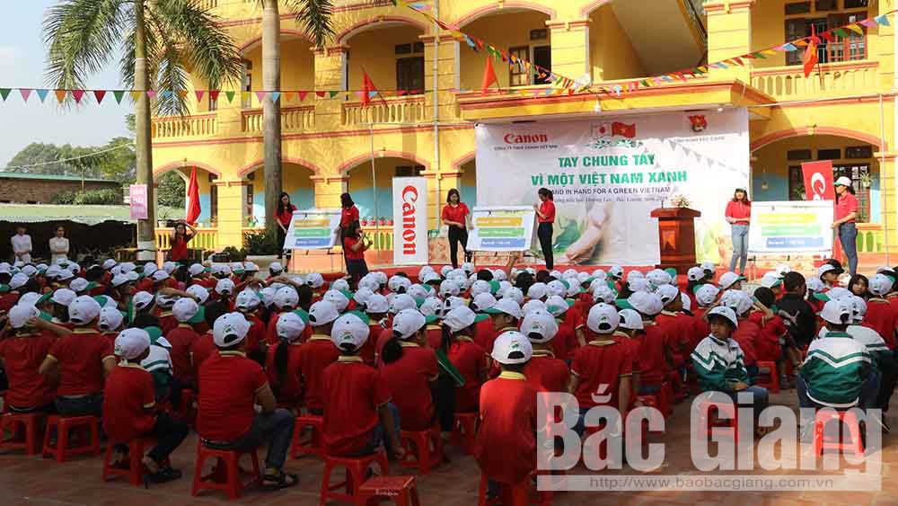 """Bac Giang launches programme of """"Hand in hand for a green Vietnam"""""""