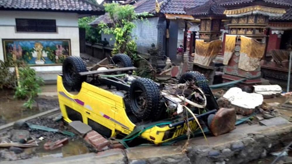 Sóng thần tại Indonesia: Thương vong tiếp tục tăng
