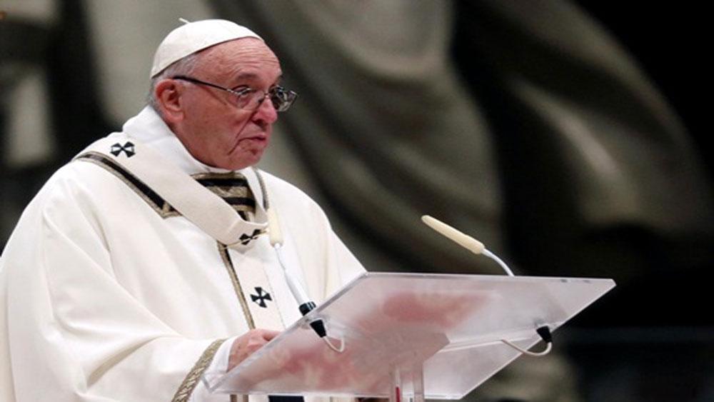 Giáo hoàng lên án khoảng cách giàu nghèo trong Thánh lễ đêm Giáng sinh