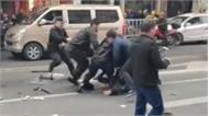 Cướp xe buýt đâm 5 người chết, 21 người bị thương
