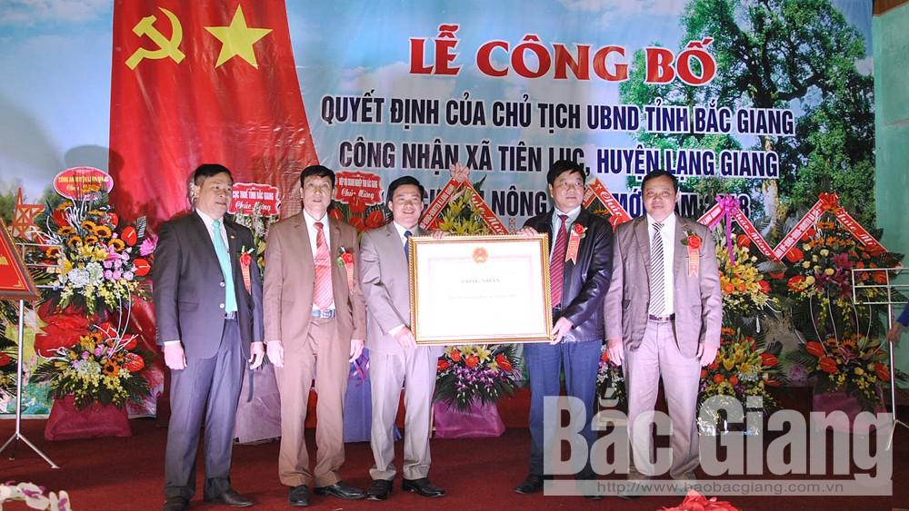 Xã Tiên Lục đón nhận danh hiệu đạt chuẩn nông thôn mới