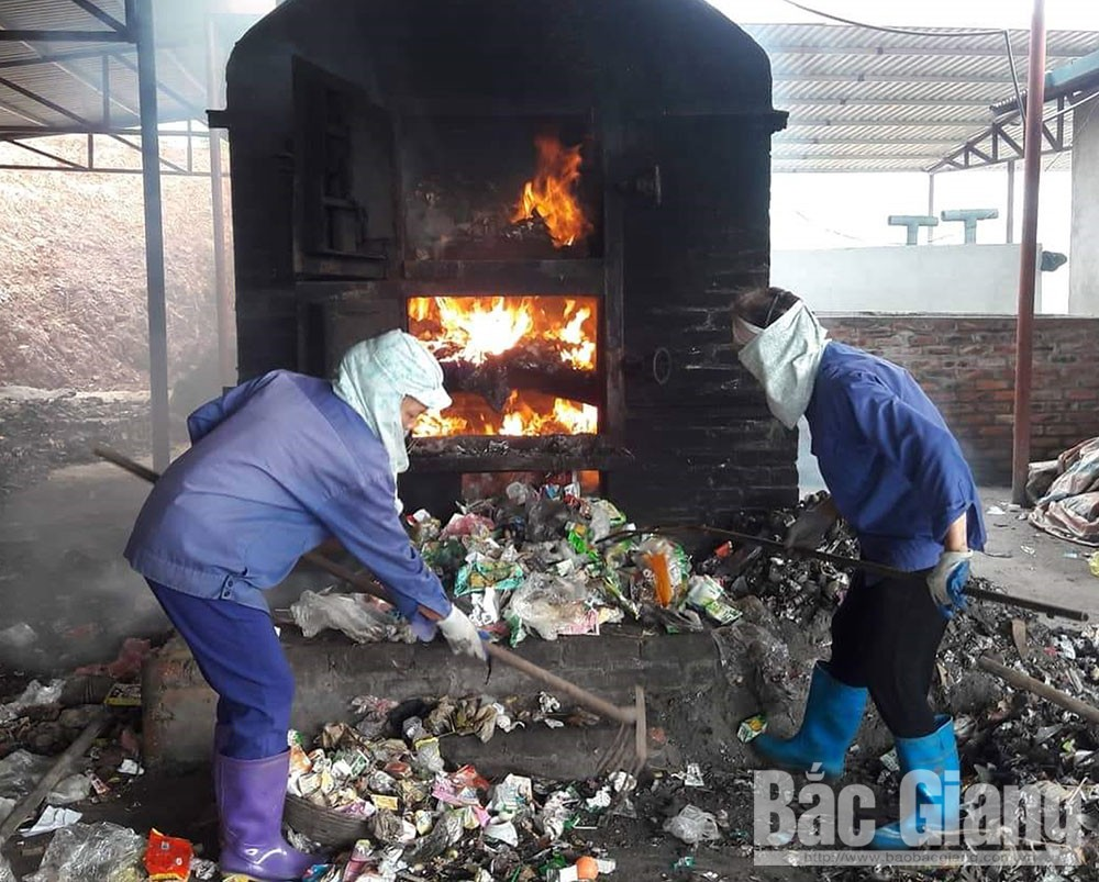 Thu tiền dịch vụ, rác thải sinh hoạt, tháo gỡ vướng mắc