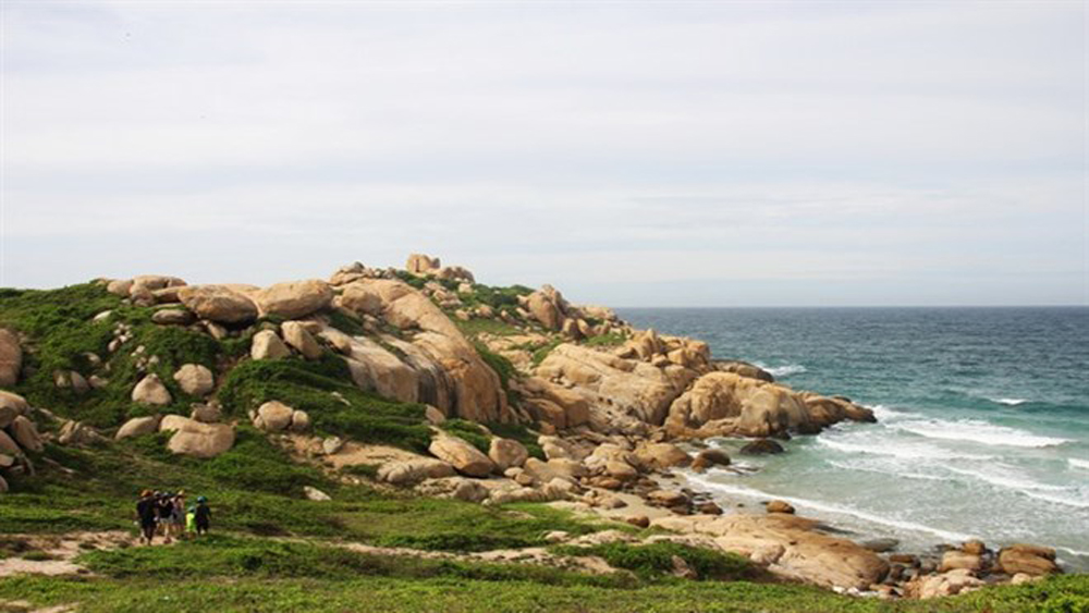 Tiny isle in Binh Thuan – ideal destination for nature lovers