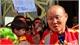 CĐV Việt Nam hát mừng sinh nhật thầy Park tại UAE