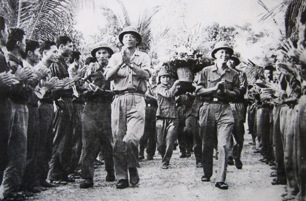 Heart-to-heart affection, Bac Giang province, Uncle Ho, Vietnamese soldiers, Vietnamese army, Ung So, love affair, sacred love, communal military unit, Pol Pot genocidal regime