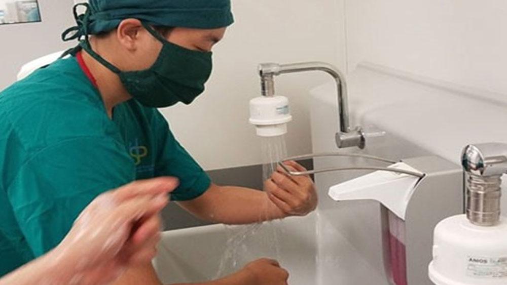 Hàng tỉ vi khuẩn xâm nhập vào cơ thể vì... ít rửa tay