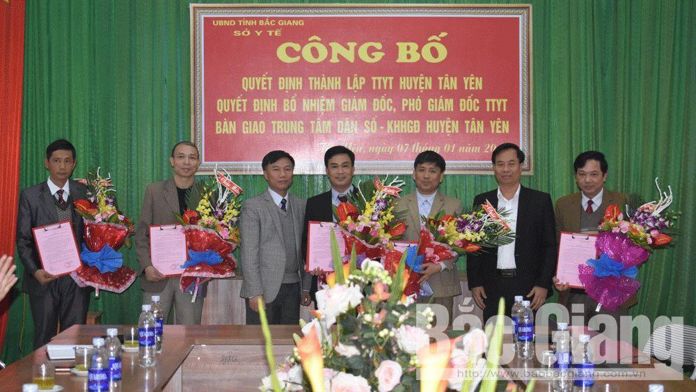 Ông Nguyễn Văn Bình giữ chức Giám đốc Trung tâm Y tế huyện Tân Yên