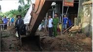 Vụ nổ bom trong khi sửa đường: Dừng thi công để rà phá bom mìn