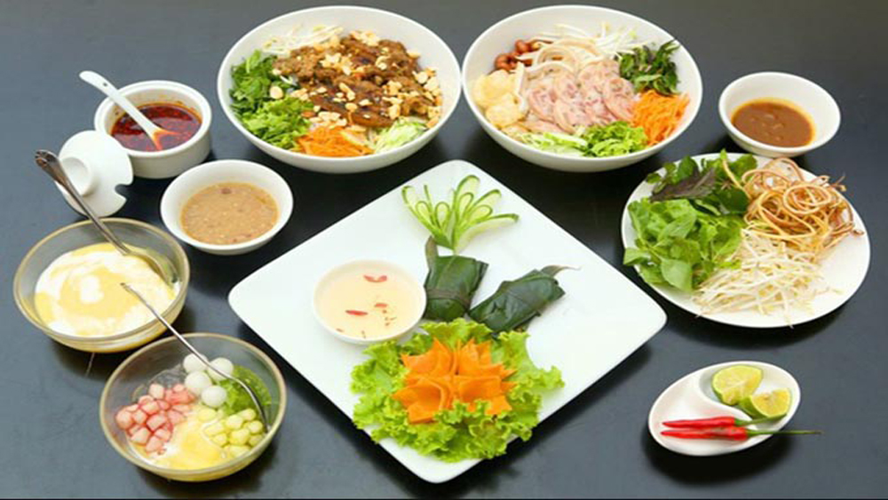 Central region, cuisine museum, Quang Region Cuisine Museum, local noodle dishes, local food, cooking activities, traditional dishes, typical dishes,  ancient cooking tools