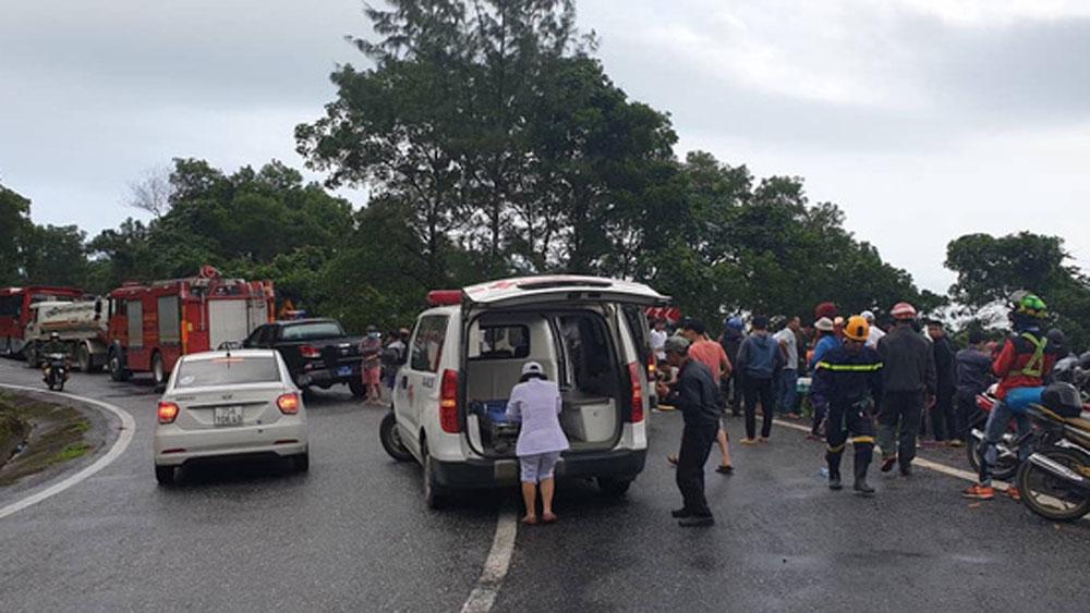 Vụ xe khách rơi xuống vực ở đèo Hải Vân, nỗ lực, cứu chữa các nạn nhân