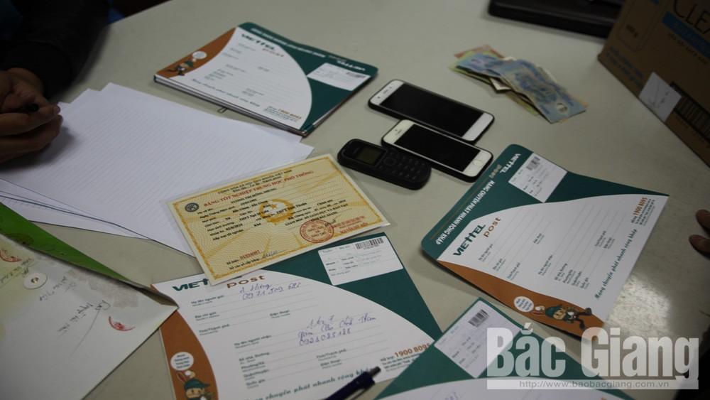 Bắt quả tang đối tượng trong đường dây làm giả giấy tờ, bằng cấp tại Bắc Giang