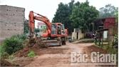 Xã Việt Lập (Tân Yên) rải áp - phan đường trục xã dài 1,7km