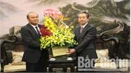 Chủ tịch UBND tỉnh Nguyễn Văn Linh chúc mừng Đại sứ quán Trung Quốc tại Việt Nam