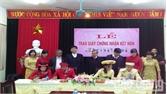 Phường Trần Phú trao giấy chứng nhận kết hôn cho công dân