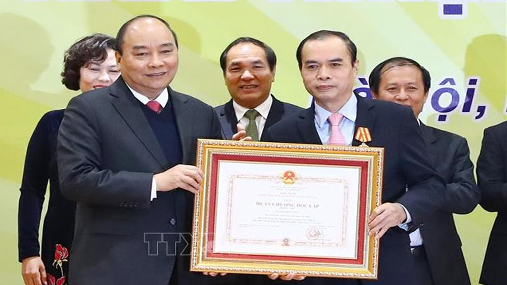 Thủ tướng Nguyễn Xuân Phúc, hệ thống tín dụng, hỗ trợ người dân