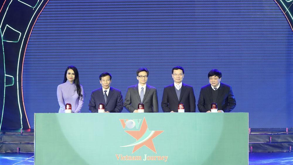 Phó Thủ tướng Vũ Đức Đam bấm nút phát sóng Kênh truyền hình chuyên biệt Văn hóa - Du lịch Vietnam Journey