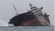 Vụ cháy tàu dầu Việt Nam ở Hong Kong: Chưa tìm thấy hai người mất tích