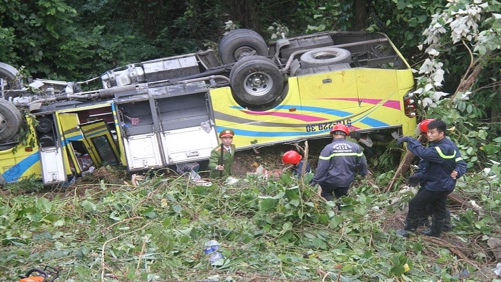 Khởi tố, tài xế xe khách vượt ẩu, gây tai nạn nghiêm trọng, đèo Hải Vân