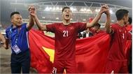 Đình Trọng cùng 2 tuyển thủ sang Hàn Quốc chữa dứt điểm chấn thương