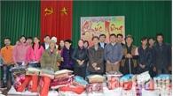 Công ty TNHH ULI và Báo Bắc Giang tặng quà hộ nghèo xã Tam Tiến (Yên Thế)