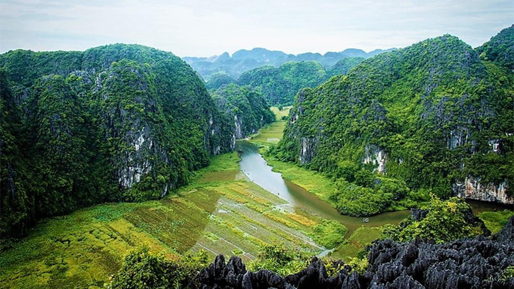 Vietnam, the most beautiful countries, UK magazine, travel guide publisher, Rough Guides, Asian countries, S-shaped country