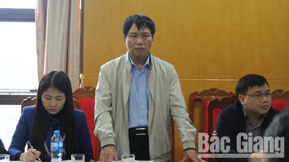 Thành viên BCĐ phát triển KTTT tỉnh phát biểu ý kiến tại hội nghị.