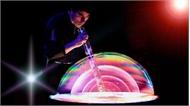 'Phù thủy bong bóng' Fan Yang biểu diễn liên tục 3 tháng tại Hà Nội
