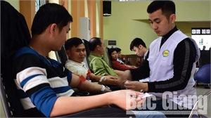 Hơn 1 nghìn tình nguyện viên đăng ký tham gia hiến máu
