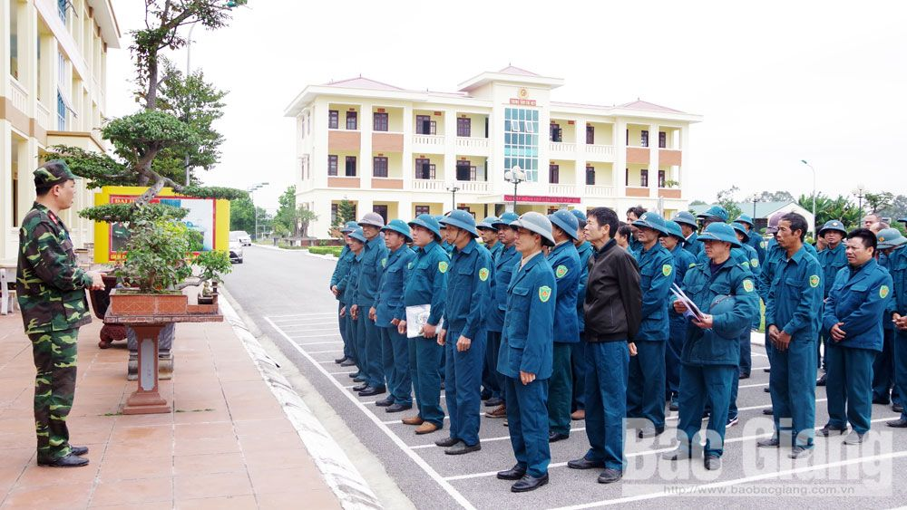 Huấn luyện cán bộ dân quân tự vệ cấp xã
