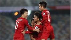 Clip: Pha sút phạt đẳng cấp mở tỷ số cho tuyển Việt Nam của Quang Hải