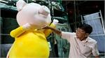 Big pigs to hog limelight on Saigon's flower street