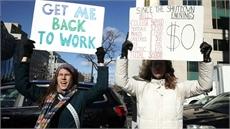 Chính phủ Mỹ kêu gọi hàng chục ngàn nhân viên trở lại làm việc không lương