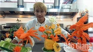 """Le Quang Dat: a young man with """"golden hands"""""""