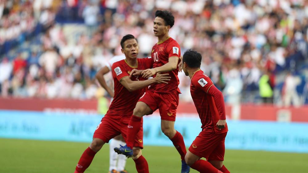 Công Phượng gỡ hòa 1-1, Việt Nam-Jordan đá hiệp phụ