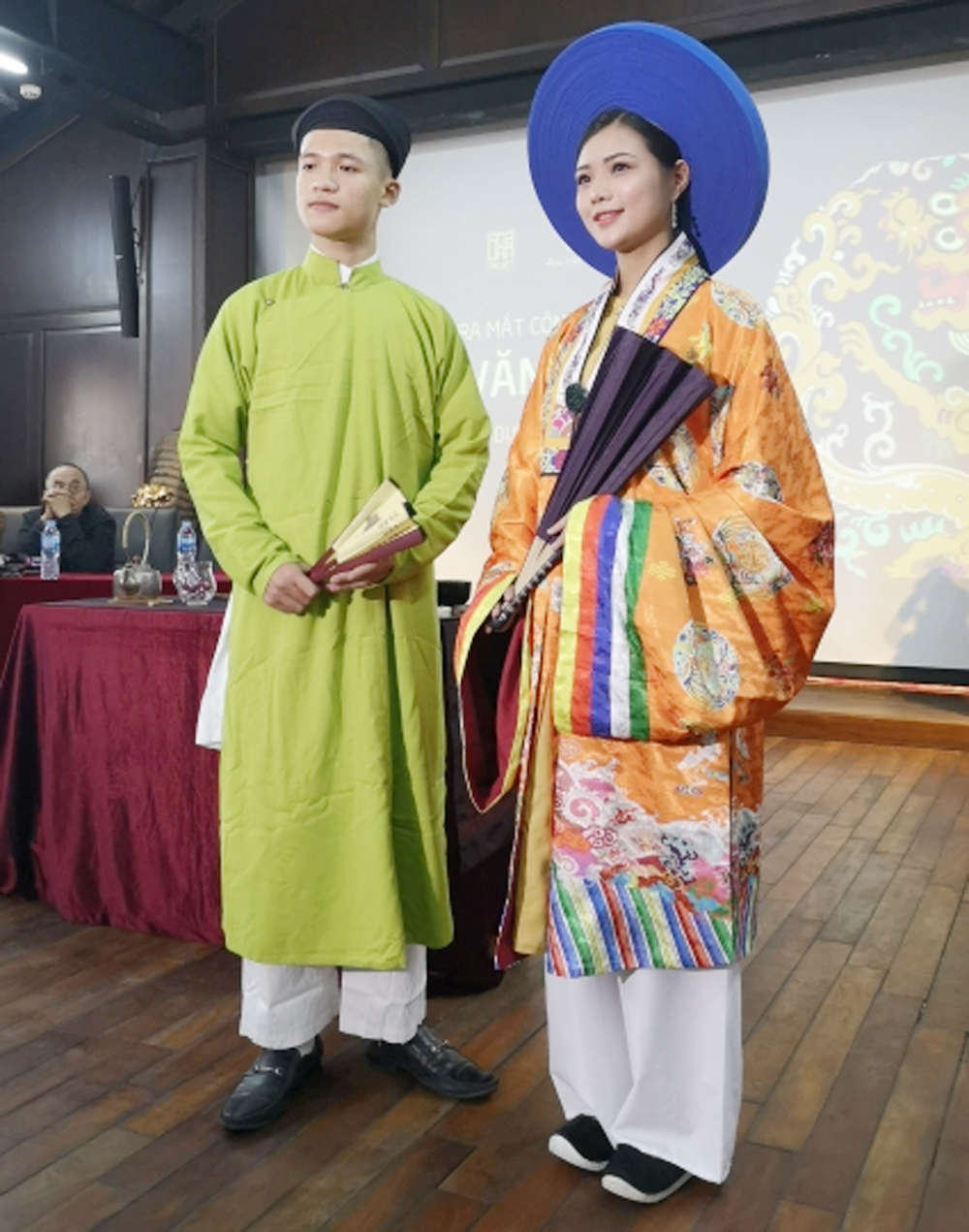 Hoa Van Dai Viet, ancient Vietnamese costumes, Nguyen Dynasty, Ly Dynasty, graphical technology, period costumes