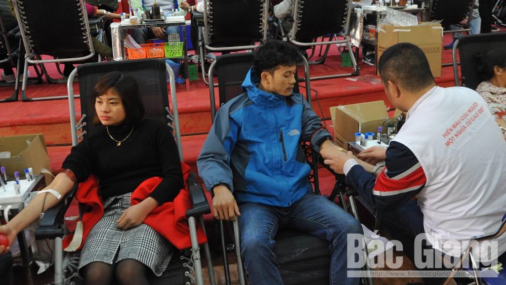 Việt Yên: Gần 700 người tham gia hiến máu tình nguyện