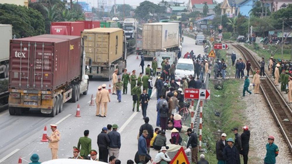 Hỗ trợ khẩn cấp các nạn nhân vụ tai nạn giao thông đặc biệt nghiêm trọng tại Hải Dương