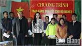 Chủ tịch UBND tỉnh Nguyễn Văn Linh tặng quà hộ nghèo huyện Lục Nam
