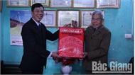 Bí thư Tỉnh ủy Bùi Văn Hải thăm, tặng quà Tết người có công TP Bắc Giang