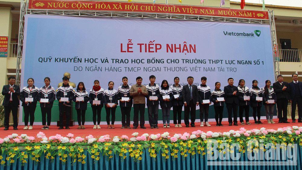 Vietcombank Bắc Giang: Kinh doanh gắn với công tác  an sinh xã hội